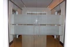 Švaistinės durys – šiuolaikinės, modernios durų sistemos