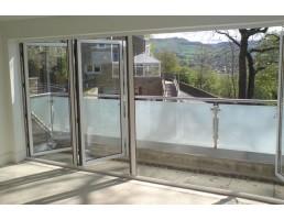 Balkonų stiklinimas - aliuminiai rėmai-varstoma sistema